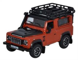 Oxford Diecast 1/76 Land Rover Defender 90 Station Wagon Phoenix Orange (Adventure) 76LRDF008ADLand Rover Defender 90 Station Wagon Phoenix Orange (Adventure)