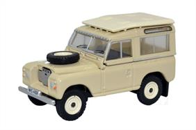Oxford Diecast 1/76 Land Rover Series III Station Wagon Limestone 76LR3S001