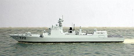 A new model joining Albatros's Chinese navy range, the large 7500t Aegis type destroyer of the Chinese Navy - 052D class. 5 ships of the type have already been put into service with a further 8 units are equiping or still under construction. In its features the 052D are comparable with the American US Arleigh Burke class, measuring 160 x 18m, speed 30 knots, besides  anti air and ship missiles, U-boat defense, cruise missiles, a 130mm Gun, 8 torpedo tubes and 2 helicopters.