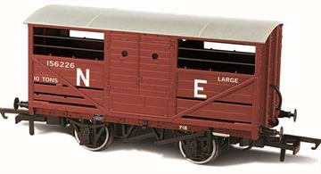 Oxford Rail OR76CAT002B OO Gauge LNER Cattle Wagon Bauxite Finish Lettered NEA detailed model of the LNER design cattle wagon painted in LNER goods bauxite brown livery.The LNER was slow to adopt steel underframe, so while the design of the cattle wagon followed the style used by the other four major railway companies the LNER examples continued to use wood underframes. This model reflects these details, along with the solid three-part doors with hand access holes, producing an accurate OO gauge replica of the LNER cattle wagon for the first time.