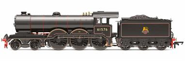 Hornby Railways R3546 OO Gauge BR 61576 ex-LNER Holden Class B12 4-6-0 BR Lined Black Early EmblemDimensions - Length 235mm.A highly detailed model of the GER/LNER Holden designed B12 class 4-6-0 locomotives. This model is finished as BR 61576 in British Railways mixed traffic lined black with early lion over wheel emblem.DCC Ready. 8-pin decoder required for DCC operation.