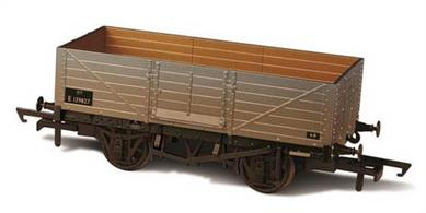 Oxford Rail OR76MW6002W OO Gauge BR 6 Plank Mineral Wagon Weathered Finish