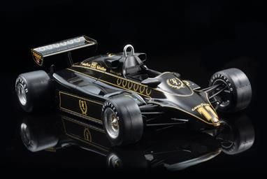 EBBRO 1/20 1982 Team Lotus Type 91 F1 Racing CarA nicely detailed model of the Lotus Type 91 in the distinctive Black and Gold livery can be built. Full instructions are included.