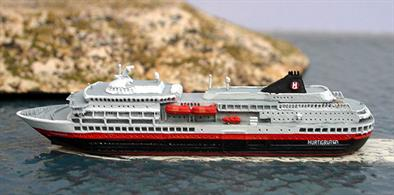 A new 1/1250 scale metal model of Finnmarken in 2016 in Hurtigruten livery. This model replaces a model of the ship in OVDS colours which is no longer available.