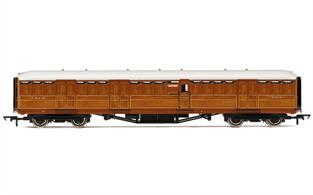 "LNER 61' 6"" Gresley Full Brake 4234The teak paneling on these coaches is superb, with excellent grain colouration detail and no duplication ofï patterns. The interior is just as well detailed to, with partitions, seats and panelled lavatory doors fitted with door knobs. Sprung buffers are fitted along with fully detailed ends with separate tank filler pipes, plus underframe and trucks complete with rivet detail. The Buffet car includes full interior detailing with 1930's stainless steel counter fittings."
