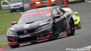 Scalextric 1/32 Honda Civic Type R NGTC BTCC 2017 Gordon Shedden C3919
