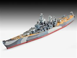 Revell 65128 1/1200 Scale Battleship USS Missouri (WWII) Model SetLength 225mm Number of Parts 27