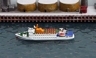 A 1/1250 scale waterline metal model of Flipper a Cuxhaven-based ferry and day trip boat handmade by Rhenania Junior RJ309.