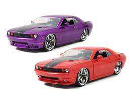 Jadatoys 1/24 2008 Dodge Challenger / Ribbon 5 JA96894Comes in Orange or Purple