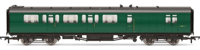 Detailed model of the Bulleid design corridor stock coaches built for the Southern Railway.This model of brake third class coach S2860S is finished in the British railways Southern region green livery.Era 4-5, 1948-1968