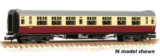 New model of the Bulleid design corridor composite coach.Pricing to be advised.Era 4 1948-1956 (early British Railways)