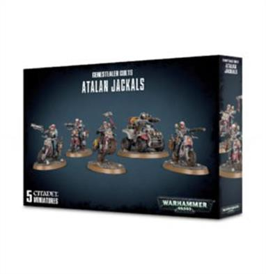 This set builds one squad of 5 Atalan Jackals – four on dirtcycles, accompanied by an Atalan Wolfquad.This kit is supplied in 89 plastic components and contains 4x 60mm oval bases and 1x 60mm round base.