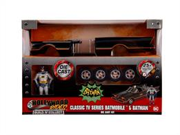 Jadatoys JA30873 1/24th scale diecast metal kit of the 1966 Batmobile with Batman and Robin Figures
