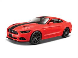 Maisto M31369 1/24th Ford Mustang Gt Diecast Model