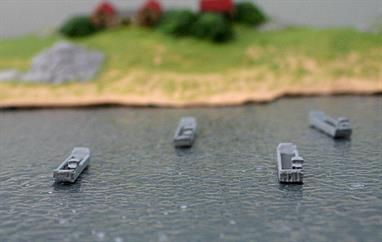 4x landing craft to accompany HMAS Canberra or Juan Carlos 1 by Albatros SM Alk-Z20, see photograph (diorama not included with models)