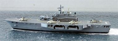 A 1/1250 scale second-hand model of San Giorgio as a helicopter carrier by Hai 496. This model is in very good condition with helicopters on deck and flight deck decals, see photograph.