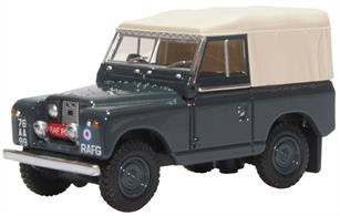 Oxford Diecast 76LR2S007 1/76th Land Rover Series II SWB Canvas RAF Police
