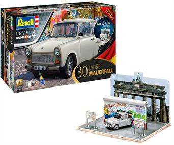 Revell 1/24 Trabant 601s Universal 30 Jahre Mauerfall Car Kit C/W Glue and paintLike its West German counterpart the Volkswagen Beetle, the Trabant has also received a legendary reputation as a vehicle for the masses.