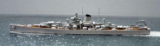A 1/1200 scale second-hand model of USS Oregon City CA-122 by Superior Models Inc. A508. The model is in reasonable condition  with painted decks, see photograph.