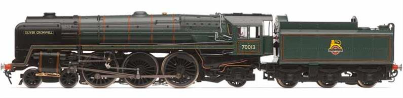 Highly detailed model of British Railways standard class 7MT 4-6-2 Britannia class pacific locomotive 70013 Oliver Cromwell finished in the early BR lined green livery with lion over wheel emblem.70013 Oliver Cromwell was one of the last steam locomotives in regular BR service, hauling farewell to steam railtour trains and now preserved as part of the national collection.