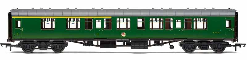 Model of British Railways Mk1 CK composite side corridor coach S15574 finished in Southern region green livery.Composite coaches had compartments fitted for first and second class passengers, providing a suitable proportion of first class seats on short trains.