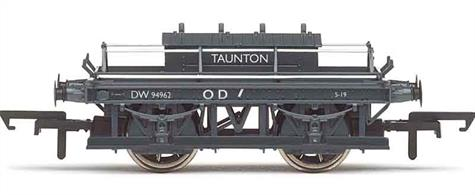 Detailed model of British Railways Western region ex-GWR shunters riding truck DW94962 allocated to Taunton.Shunters trucks provided a safe riding vehicle for shunters while moving around yards, plus storage for shunting poles, brake sticks and train lamps. Many continued to be using into the 1960s with class 08 diesel shunters replacing the GWR panniers.