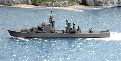 A 1/1250 scale second-hand model of JMSDF Amatsukaze as built by Delphin D32. The model is in good condition.