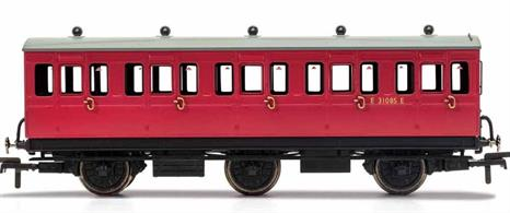 This six wheeled coach is a representation of the many small coaches which survived into British Railway ownership. Small coaches such as this six wheeled coach proved especially good at branch line work where their small size enabled the traversing of tight radius curves, whilst lower passenger numbers meant their small size was more acceptable and enabled trains to be hauled by smaller engines.This BR coach is modelled as having step boards to enable access at stations with low platforms and electric lighting.