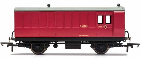 This four wheeled coach is a representation of the many small coaches which survived into British Railway ownership. Four wheeled coaches proved especially good at branch line work where their small size enabled the traversing of tight radius curves, whilst lower passenger numbers meant their small size was more acceptable and enabled trains to be hauled by smaller engines.This BR coach is modelled as having step boards to enable access at stations with low platforms and electric lighting.