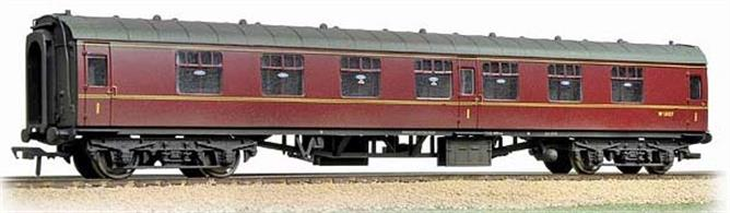 Bachmann Branchline 39-151F OO Gauge BR Mk.1 FK First Class Corridor Coach Maroon Weathered FinishA detailed model of the BR MK.1 first class side corridor coach in the BR maroon livery. Era 5
