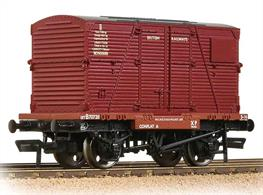 An excellent model of the early BR 4-wheel container flat wagon complete with a BD type container in the crimson livery.