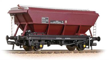 A batch of 4 second hand models in boxes which appear to have never been opened.46 tonne Covered Hopper Wagon CEA EWS