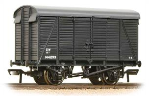 Finely detailed model of the distinctive Southern Railway 2+2 style planked box van, built for the GWR during WWII. The unusual roof outline of these vans has been captured well in this model.