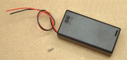 Enclosed battery box with wired in fly lead and on/off switch for 2 x AA size batteries.