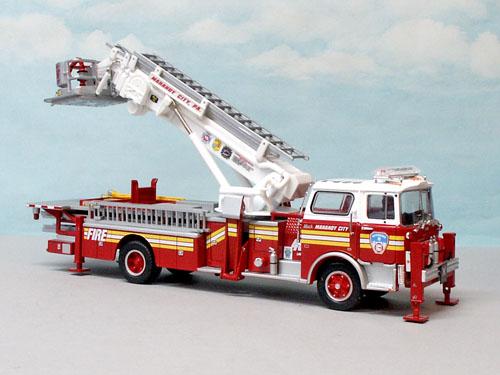 corgi mack cf tower ladder mahonay city pa 1 50 us53807