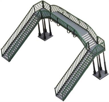 Spans two tracks from platform to platform or free standing at trackside level.  Push-fit assembly
