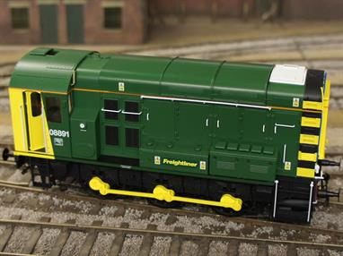 08891 has been modelled in service with Freightliner and finished in the company's green livery.