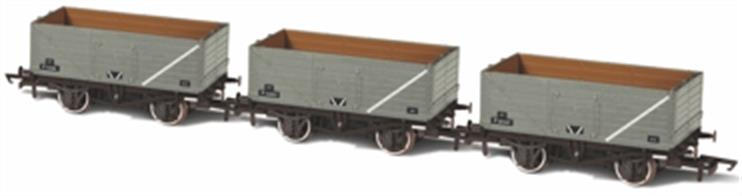 Oxford Rail OR76MW014 OO Gauge Pack of 3 BR Grey 7 Plank Open Wagons Numbers P73208 / P153057 / P201347The Oxford Rail Standard RCH 12 Ton Mineral wagon boasts finely engraved body and underframe detail plus NEM couplings.