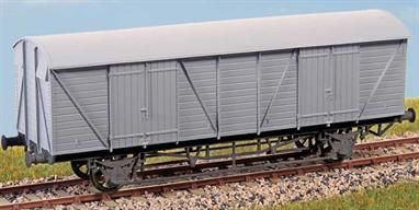 GWR Mink G (Diagram V22) Introduced in 1931 to carry express goods traffic between the main stations on the GWR system. One hundred were built and lasted in service until the 1960s.These finely moulded plastic wagon kits come complete with pin point axle wheels and bearings. Glue and paints are required to assemble and complete the model (not included)