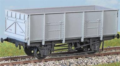 1000 of these wagons 21 ton Coal Wagon (diagram 1/110) were built in 1950/51 for BR by the Metro-Cammell company. Many were still in service in the late 1970s. These finely moulded plastic wagon kits come complete with pin point axle wheels and bearings. Glue and paints are required to assemble and complete the model (not included).