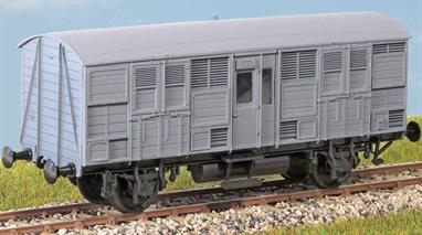 (Diagram 109) Introduced in the 1920s to carry valuable cattle with their attendants, they were mainly seen on passenger trains until the 1960s. These finely moulded plastic wagon kits come complete with pin point axle wheels and bearings.Glue and paints are required to assemble and complete the model (not included)