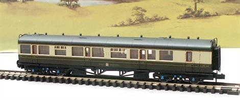 These are the finest, most detailed British outline N gauge coaches yet produced, complete with interiors appropriate for each coach. The fittings of the real coaches are moulded or added as separate parts, right down to the end grab rails, riveted roof panels and very fine roof vents.Collett brake composite luggage/guard/1st/3rd coach W6539 finished in post-WWII GWR chocolate & cream livery with British Railways numbering.