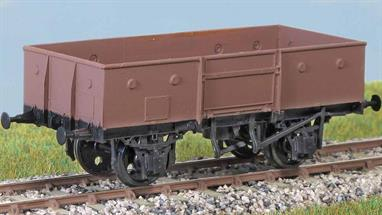 6500 of these wagons (diagram 1/037, 1/041) were built in the early 1950s, using a post war LNER design. Many survived into the 1980s. These finely moulded plastic wagon kits come complete with pin point axle wheels and bearings.Glue and paints are required to assemble and complete the model (not included).