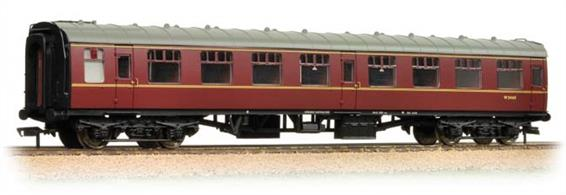 Bachmann Branchline 39-026J 00 Gauge BR Mk1 SK Second Class Side Corridor Coach Maroon LiveryAn excellent model of the British Railways Mk.1 side corridor second class coach painted in the maroon livery of the late 1950s and 1960s.