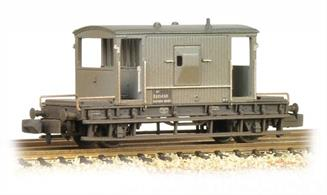 A detailed model of the standard British Railways design of goods guards' brake van. Model painted in grey livery, as originally applied to brake vans not equiped with connections for vacuum train brakes.Eras 4-5