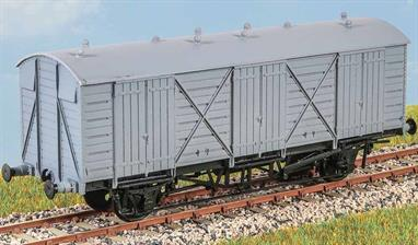 This was the final design of the GWR Fruit Van (diagram Y11) of which 50 were built in 1939-1941. More were built by BR in the 1950s and some were in service into the 1970s. These finely moulded plastic wagon kits come complete with pin point axle wheels and bearings.Glue and paints are required to assemble and complete the model (not included)