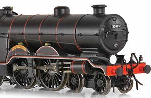 Finely detailed model of the Marsh design 4-4-2 Atlantic type express passenger locomotives as modified by Billinton to incorporate a superheater and given class reference H2. Finished in British Railways lined black livery this model presents 1911 built locomotive number 32425 as running in the early 1950s