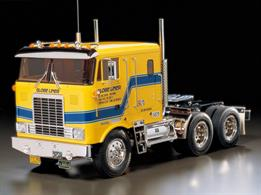 One of Tamiya's best, the radio controlled Globe Liner. Big American 10 wheeler tractor unit, 500mm long, 183mm wide, 350mm wheelbase and a chassis weight of 2640g. This superb radio controlled lorry has a aluminium ladder type chassis, front and rear rigid axle with leaf springs and includes a 540 motor. Requires further items to finish.