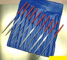 Set of 10 mianture diamond needle files in storage wallet. Each file measures approx. 100mm length, 2mm-3.5mm maximum widths. Set contains round, flat, hand, square, 3-square, half-round, knife, crossing, oval and crossing taper files.