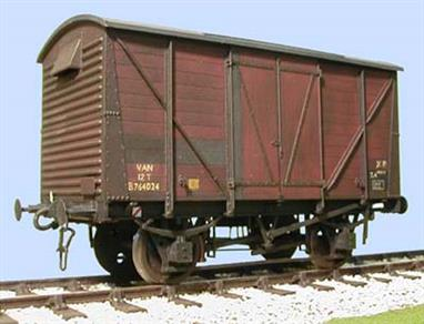 Highly detailed kit to build a model of the standard BR box van.These vans have had very long lives, built in the 1950s and remaining in service into the 1980s. Even today a significant number still serve as tool and stores vans on heritage railways, with examples to be found in most heritage freight trains.Supplied with metal wheels, 3 link couplings and sprung buffers